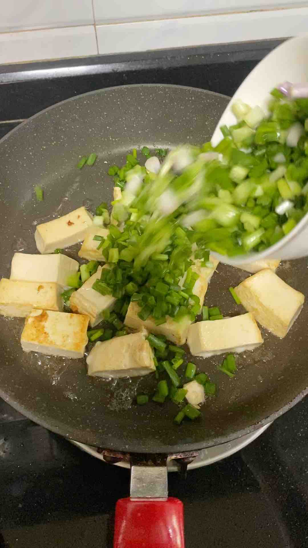 红烧豆腐焖肉沫的家常做法
