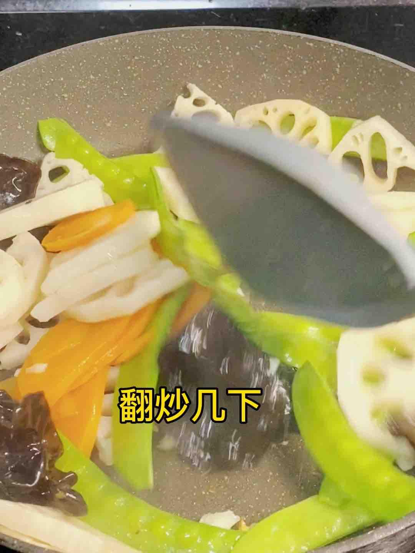 荷塘肉小炒,加点它,味道特别鲜怎么吃
