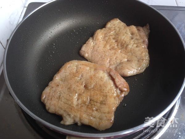 烤肉茄子三明治怎么吃