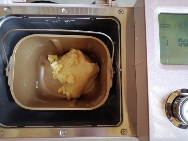 肉松咸蛋黄面包的做法图解