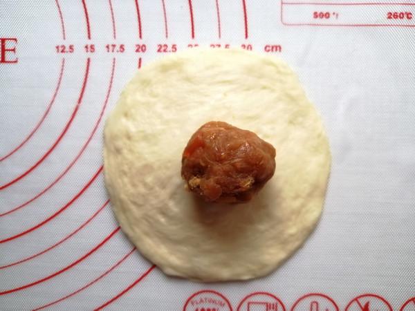 肉松咸蛋黄面包的简单做法