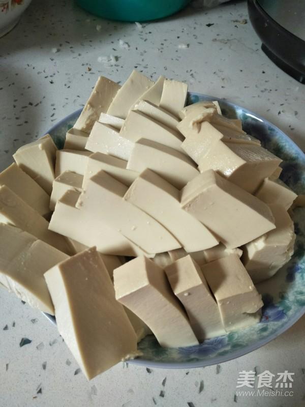 白萝卜豆腐汤的步骤