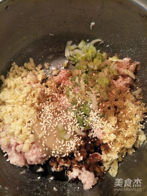 猪肉白菜粉条饺子的做法图解