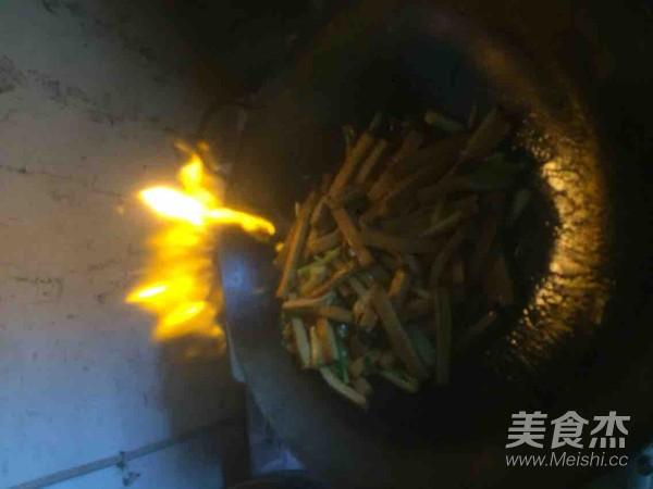 芹菜豆腐干的简单做法
