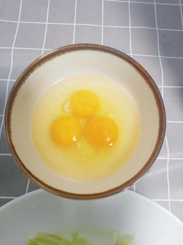 快炒韭黄鸡蛋的家常做法
