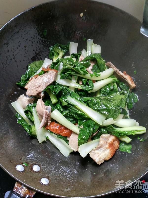 烧鸭炒小白菜怎么做