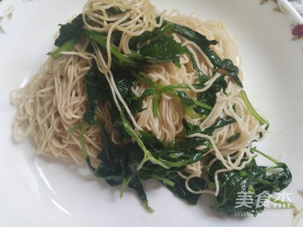 芹菜叶拌面怎么煮