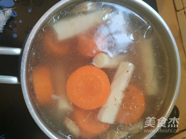 山药胡萝卜骨头汤的简单做法