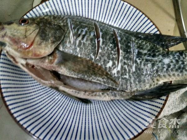 榨菜蒸罗非鱼的做法大全