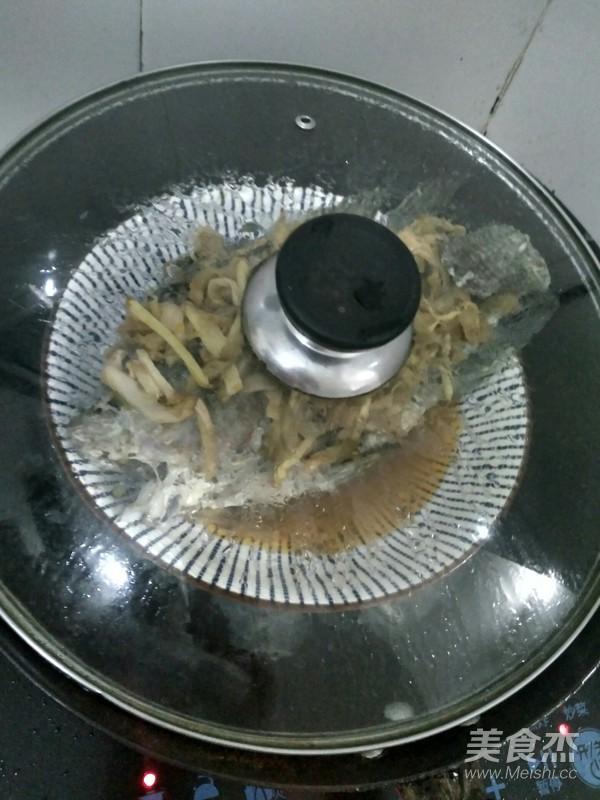 榨菜蒸罗非鱼怎么做