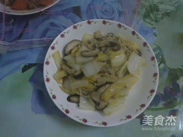 白菜炒双菇成品图