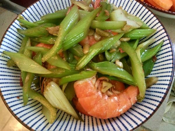 芹菜炒大虾怎么吃