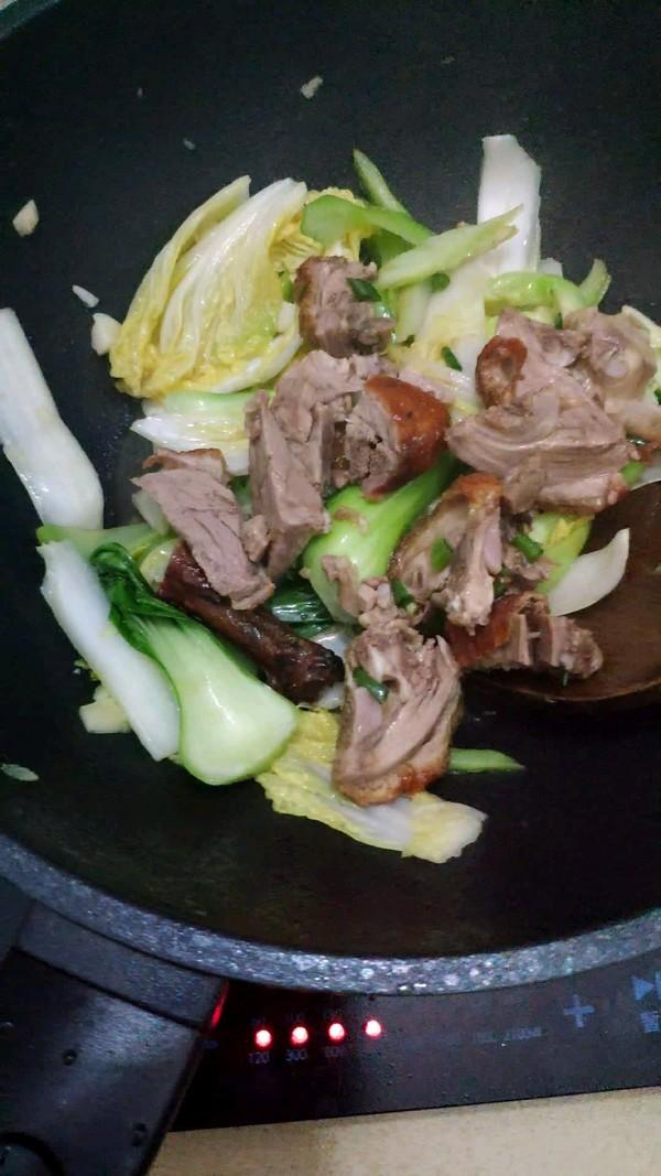 杂蔬炒烧鸭的步骤