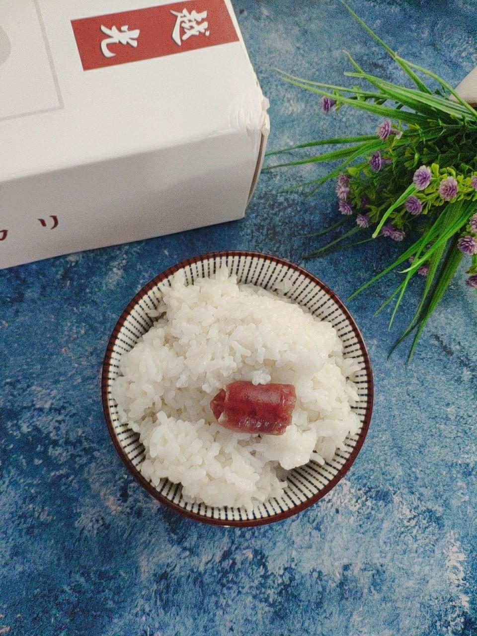 越光腊肠米饭成品图