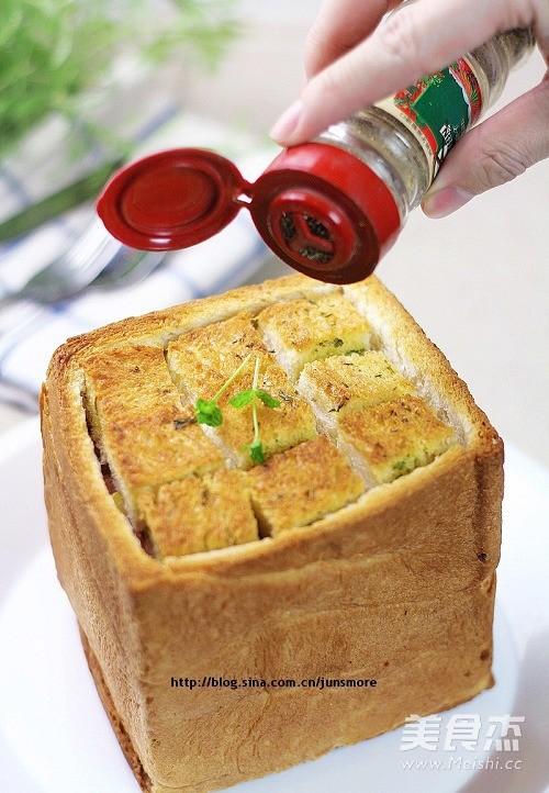 奶酪培根吐司堡成品图