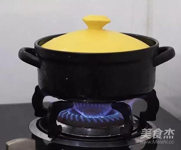 广式腊肠煲仔饭怎么做