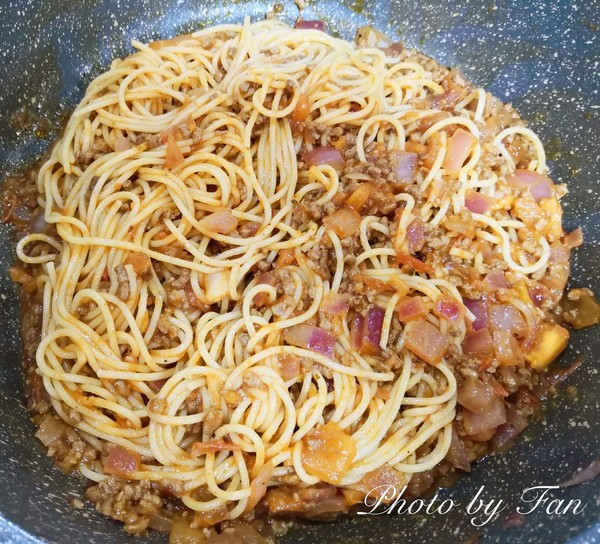 意大利人的最爱:经典番茄肉酱意面怎么煸