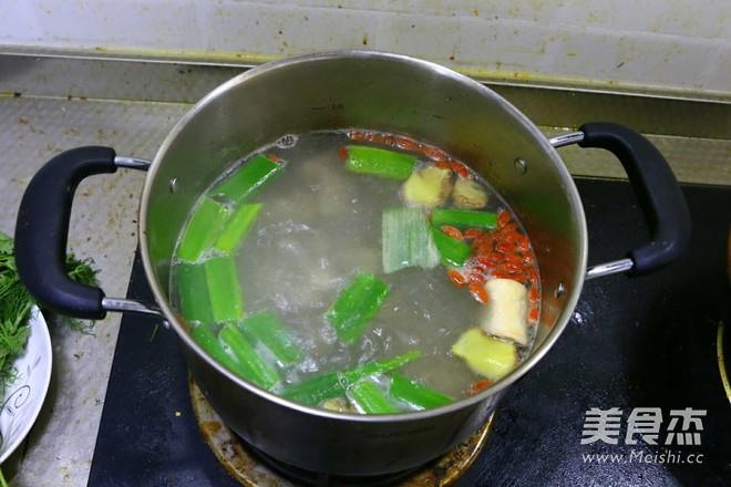 凉秋养生――冬瓜枸杞排骨汤的简单做法