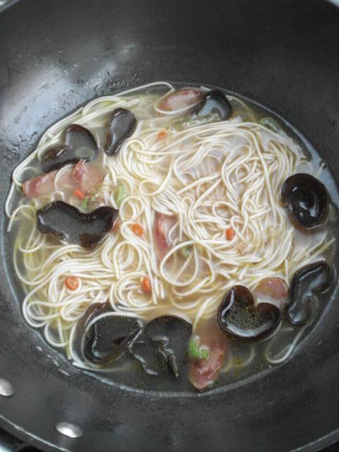 酸汤面怎么做