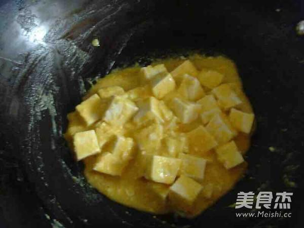 蟹黄豆腐怎么炒