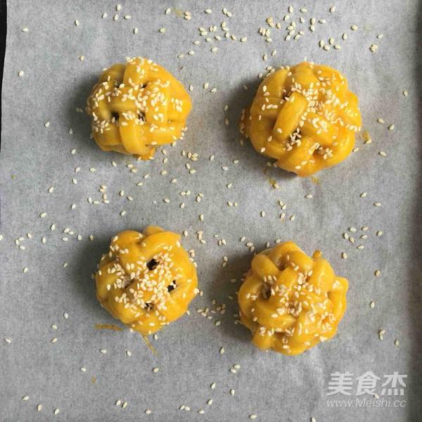 绣球蛋黄酥的制作方法