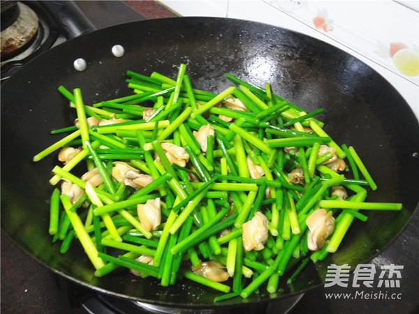 韭菜苔炒蚌肉怎么炒