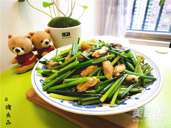 韭菜苔炒蚌肉怎么煸