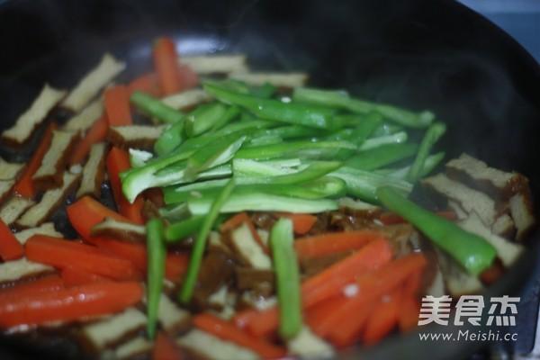 香干胡萝卜炒肉丝怎么做