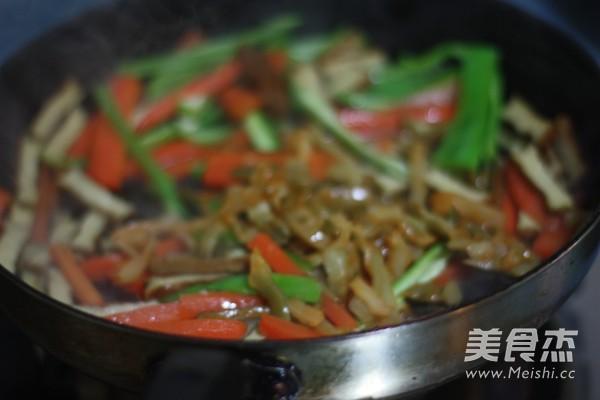 香干胡萝卜炒肉丝怎么炒