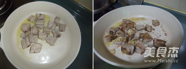 菠萝烧排骨的家常做法