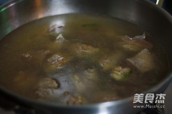 咖喱土豆牛腩怎样炒