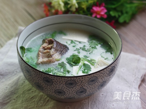豆腐鱼汤成品图