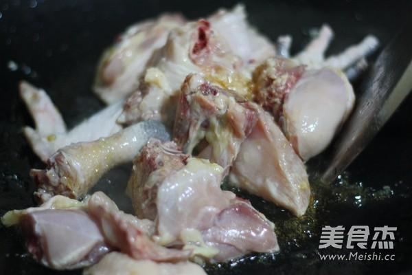 小鸡炖蘑菇的步骤
