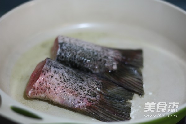 豆腐鱼汤的步骤