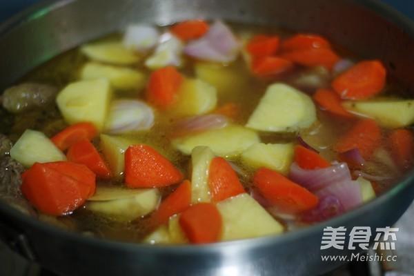 咖喱土豆牛腩怎样煮