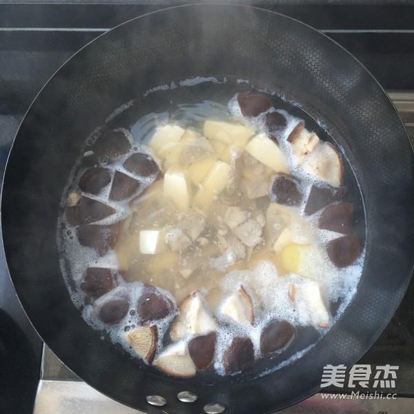鲜香菇豆腐汤怎么做