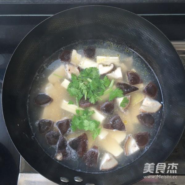 鲜香菇豆腐汤怎么煸