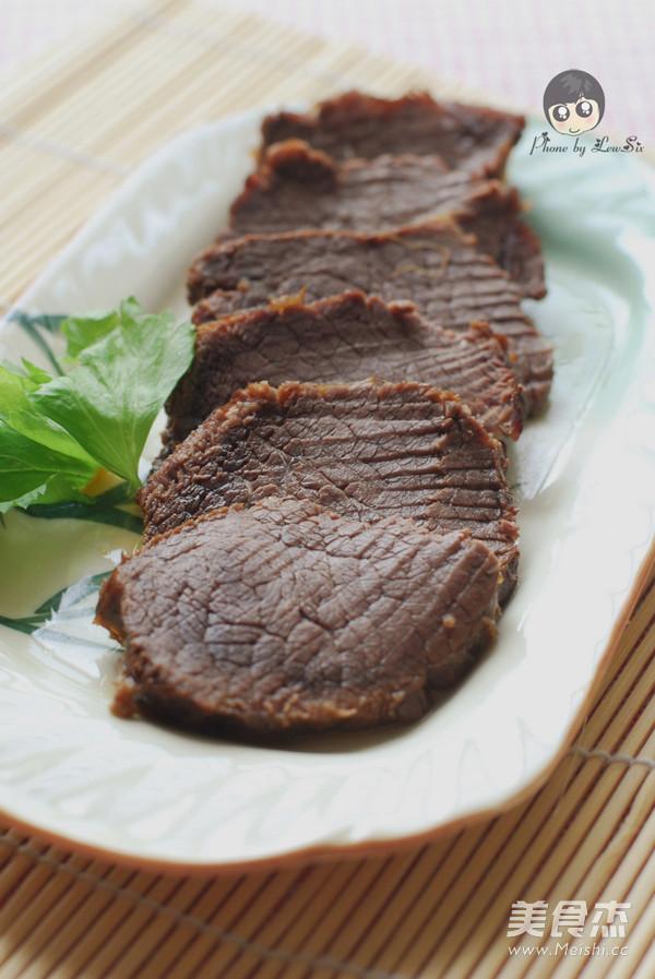 五香酱牛肉成品图