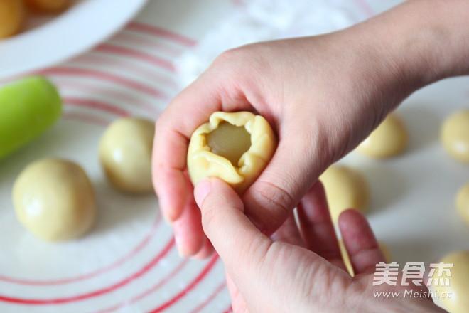 蛋黄莲蓉月饼怎样做