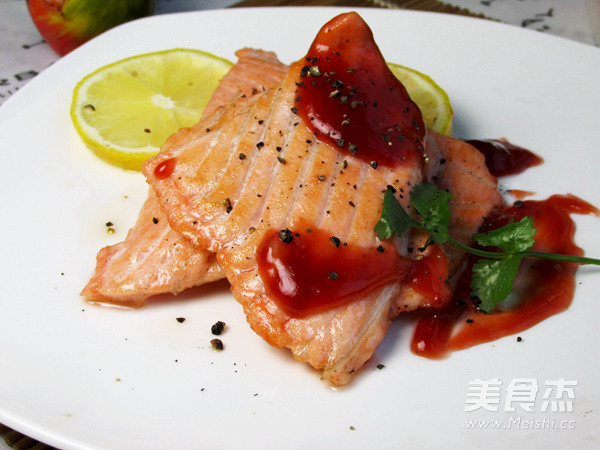 柠香三文鱼怎么煮