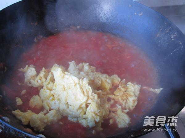 西红柿鸡蛋拌胡萝卜面怎样做