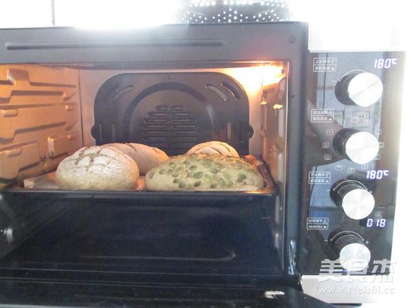 南瓜子面包怎样煸