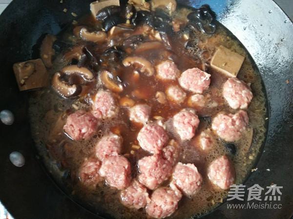 大酱汤汆丸子怎样炒
