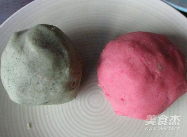 桃山松仁奶黄月饼的制作方法