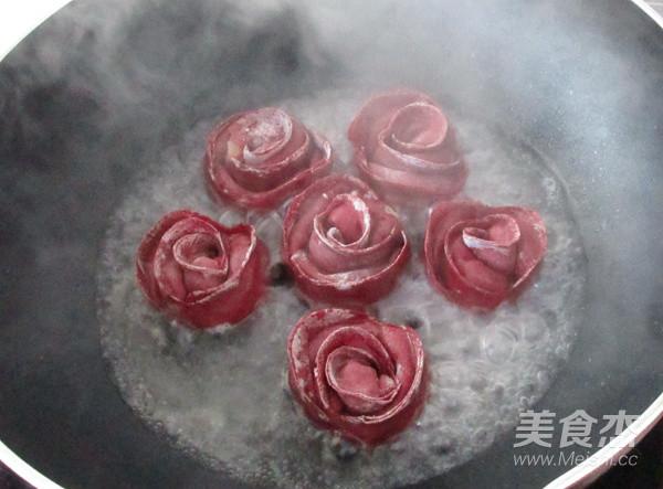 玫瑰花煎饺的步骤