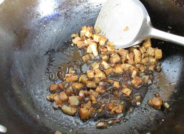 酱香肉丁拌芦笋怎么煮