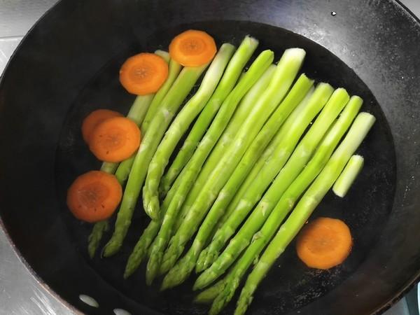 茄汁鱼块盖饭的步骤