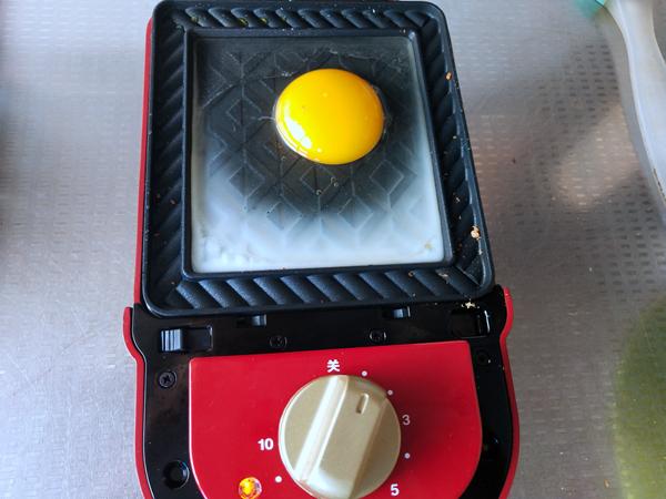 金枪鱼鸡蛋三明治的做法图解