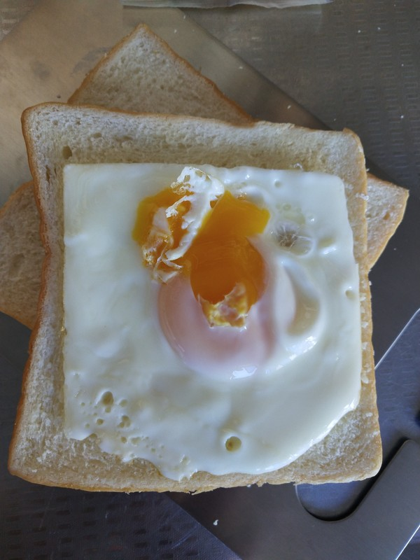鸡蛋奶酪三明治的家常做法
