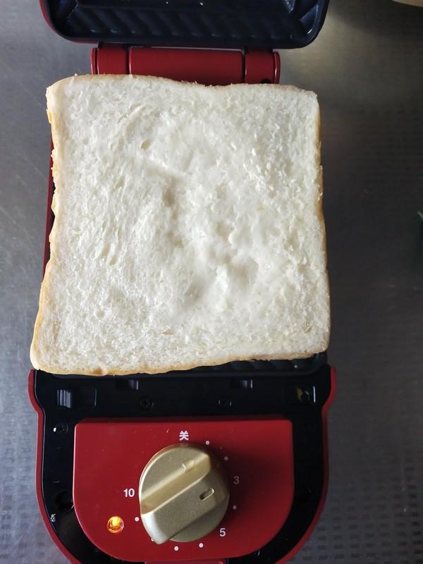 鸡蛋奶酪三明治怎么吃